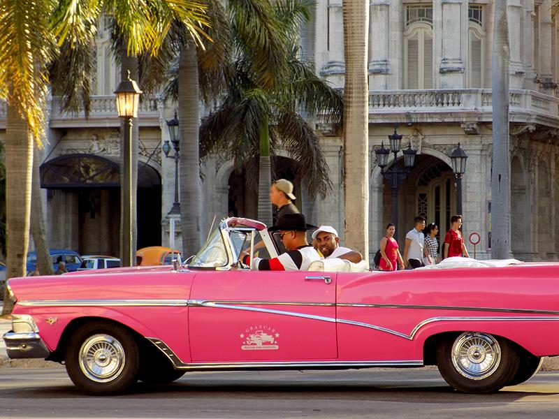 Carros americanos en La Haban